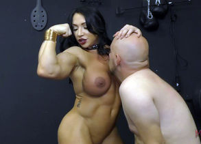 Muscle Princess Brandi Mae Makes Her..