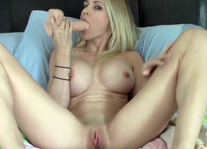 miss18live - blond 7 de-robe and unload