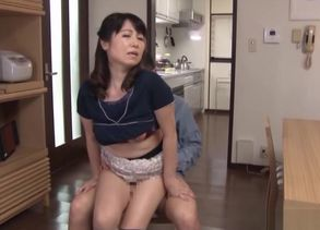 Ultra-kinky Japanese milf gets a jummy..