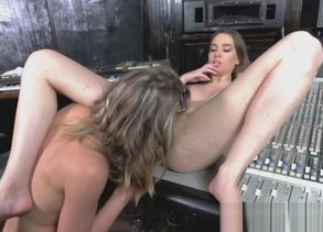 2 lesbos Tali and Aurora are using a..