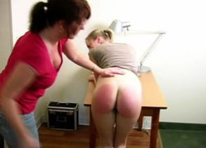 Slapping her roomies booty Crimson