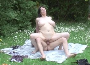 Uber-sexy breasty mature dame