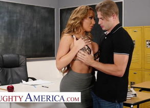 Kinky America - Richelle Ryan Drills..